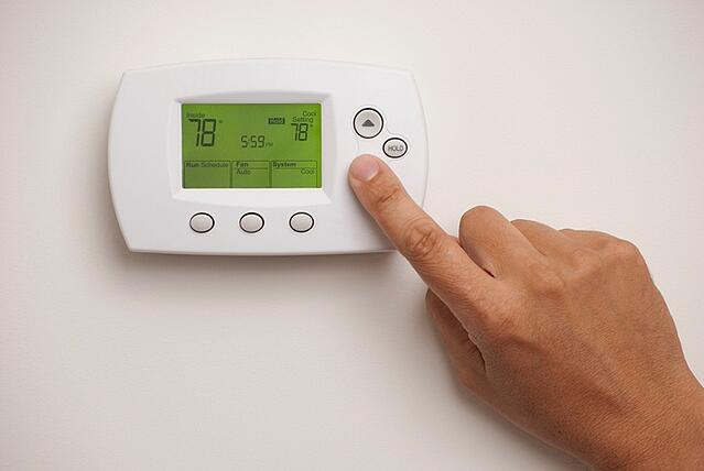 hand setting thermostat to 78 degrees