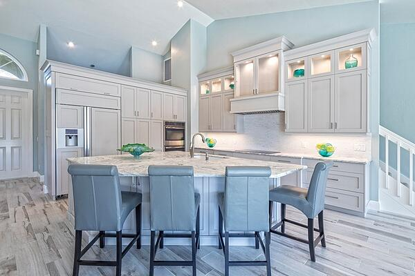 traditional kitchen in florida with an island