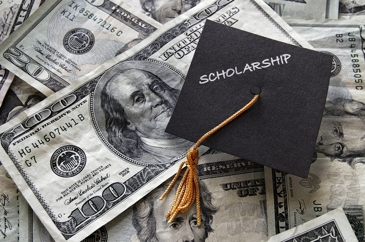 4 Things a College Scholarship Pays For
